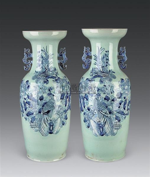 豆青釉青花花鸟纹双耳嫁妆瓶 (一对) -  - 古董珍玩 - 2010秋季艺术品拍卖会 -收藏网