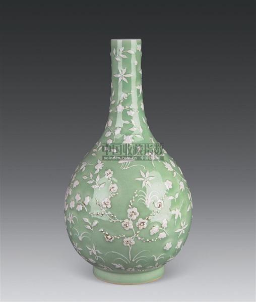 豆青堆白花卉纹胆式瓶 -  - 古董珍玩 - 2010秋季艺术品拍卖会 -收藏网