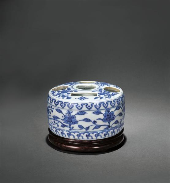 青花花卉纹五孔花插 -  - 瓷器 - 2010年秋季拍卖会 -收藏网