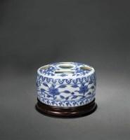 青花花卉纹五孔花插 -  - 瓷器 - 2010年秋季拍卖会 -中国收藏网