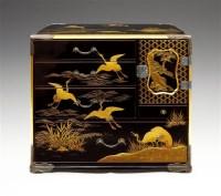 Unknown 涂漆亀鹤图小柜 -  - 装饰美术 - 2011秋季伊斯特香港拍卖会 -收藏网