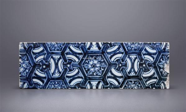 青花锦纹长方形砖