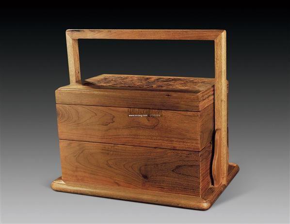 金丝楠木提梁食盒 -