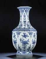 A FINE LARGE BLUE AND WHITE HEXAGONAL VASE -  - 重要中国瓷器及工艺精品 - 2011年春季拍卖会 -收藏网