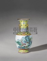 PERIOD OF QIANLONG AN UNUSUAL YELLOW-GROUND 'FAMILLE-ROSE' LANDSCAPE VASE -  - Qing Porcelain and Works of Art from a Private Col - 2007年秋季拍卖会 -收藏网