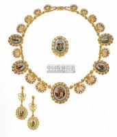 """宝石""""马赛克""""项链、别针及耳环套装 -  - 珠宝翡翠 - 2010年春季拍卖会 -收藏网"""