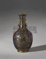 PERIOD OF QIANLONG A GILT DECORATED BLUE GROUND VASE -  - Qing Porcelain and Works of Art from a Private Col - 2007年秋季拍卖会 -收藏网