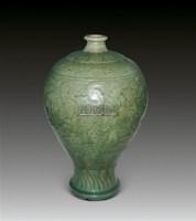 青釉刻花花卉纹梅瓶 -  - 瓷器专场 - 香港中联2012大型艺术品拍卖会 -收藏网