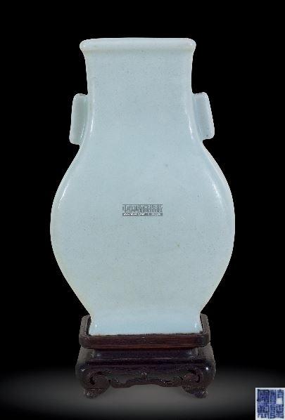 粉青釉贯耳瓶 (一件) -  - 中国古董精品 - 2012年《第一拍卖厅》冬季专场拍卖会 -收藏网