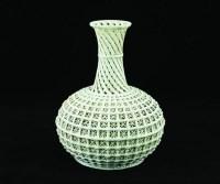 清 白釉镂空赏瓶 -  - 书画杂项 - 青莲阁恒大四季首届艺术品拍卖会 -中国收藏网