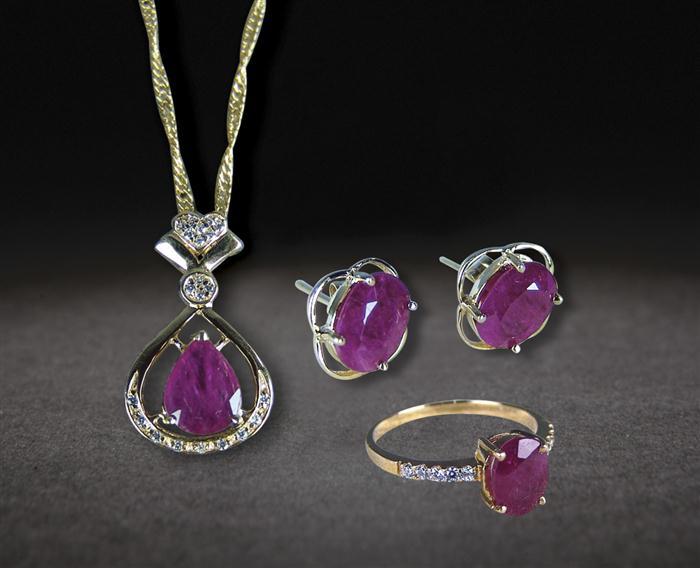 珠宝首饰三件套手绘设计图