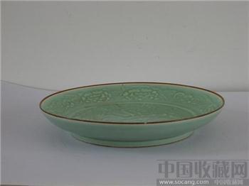 清雍正仿龙泉窑龙纹盘-中国收藏网