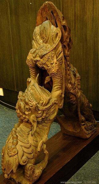 明代狮子麒麟木雕雀替(牛腿)一对