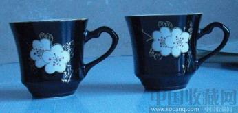 一对精美的七十年代梅花瓷器 手绘描金 茶杯-收藏网