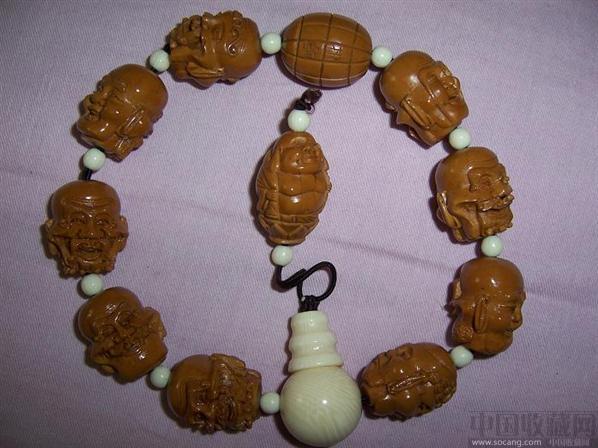 文玩橄榄核双面雕十八罗汉手串