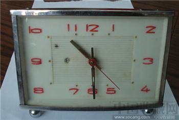 上世纪八十年代左右的国产方形机械闹钟-收藏网