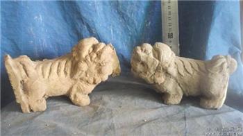 狮子木雕一对,香樟木非常香,就卖木材钱-收藏网