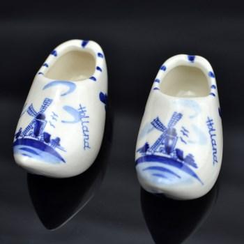 荷兰风车图案青花小瓷鞋-收藏网