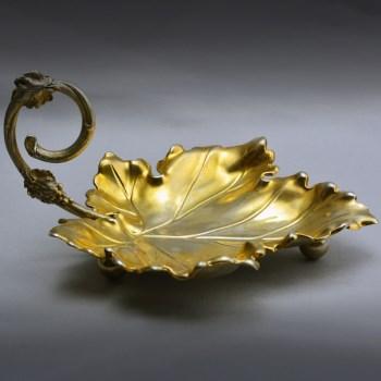 19世纪鎏金叶形果盘-中国收藏网