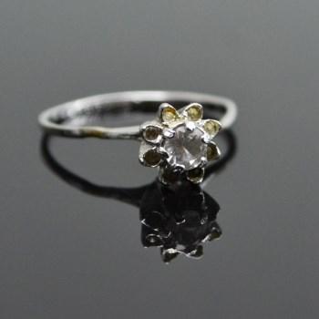 银镶水钻戒指-收藏网