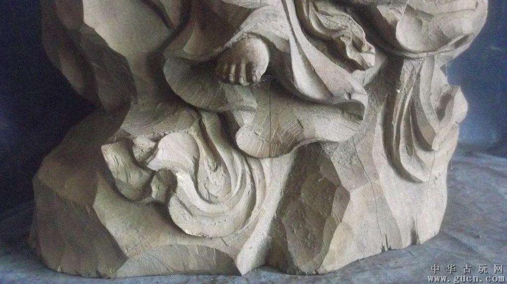 木雕持卷观音像,红豆杉雕刻的