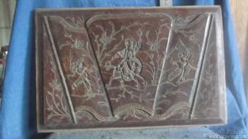 木雕人物,三个人,一匹马,还有花和草 -收藏网