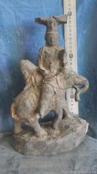 佛像木雕,木头是红黑原色,放在水里可以沉下去-中国收藏网