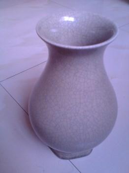 哥窑开片瓷瓶-中国收藏网