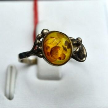 银镶琥珀戒指-中国收藏网