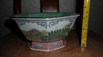 粉彩六方山水碗-收藏网