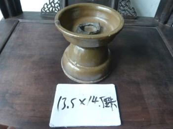 元明时期的茶叶末釉灯台-收藏网