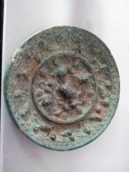 唐代葡萄铜镜-收藏网
