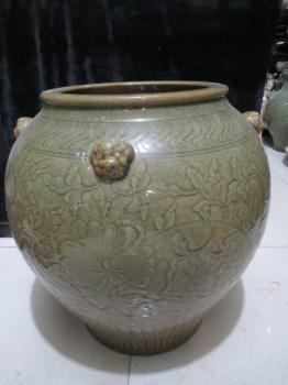 宋代龙泉窑青瓷三耳缸 -收藏网