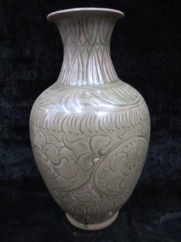 宋代龙泉窑青瓷瓶-收藏网