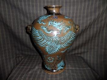 明绿松石堆塑龙凤乌金釉梅瓶-收藏网