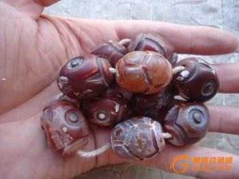下乡收来的清代玛瑙藏传手串 -中国收藏网
