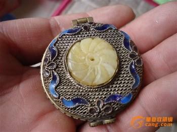 下乡收来的清代银丝镶玉的香囊 -中国收藏网