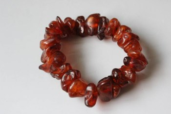 琥珀随形珠手串-收藏网