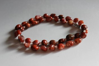 南红玛瑙随形椭圆珠项链-中国收藏网