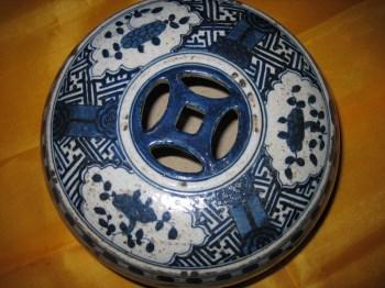 明万历时期民窑 青花 人物景观 鼓钉纹 储币罐-收藏网