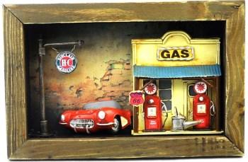 加油站的红色跑车 - 铁艺画系列-收藏网