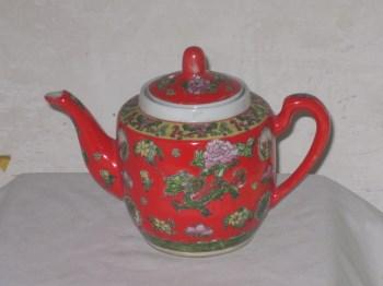 红地四季花卉珐琅彩茶壶-收藏网