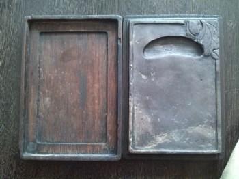 民国带有墨盒的山水纹端砚-中国收藏网