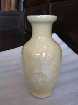 文革景德镇出口黄釉瓷小花瓶-收藏网