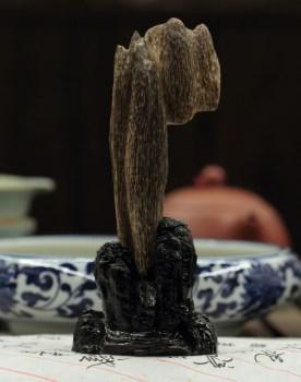 【香缘木艺】绝世珍品 海南沉香虫漏手把件小摆件 -收藏网