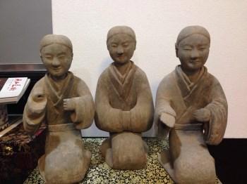 汉代跪拜俑-中国收藏网