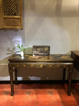 清代楠木漆器琴桌-收藏网
