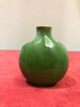 清代绿釉鼻烟壶-收藏网