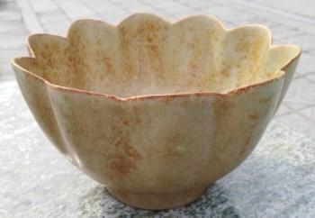 宋汝窑瓜棱形葵口碗-收藏网