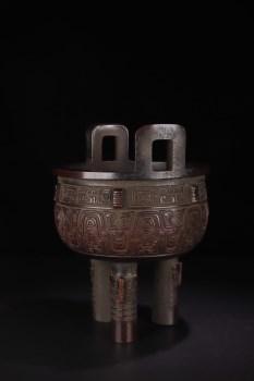 清代:【铜造三足兽面鼎式炉】-收藏网